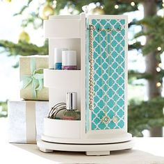 . Perfect for G. Chloe Rotating Organizer, Pool Clover #pbteen
