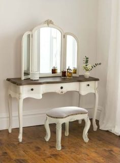 Annaelle Antique French Dressing Table Set