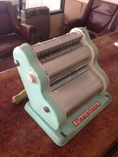 Pastalinda verde 1960 original pasta machine