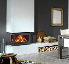 Driezijdig glas en driezijdig vuur, dat is de #Dik #Geurts #Instyle #Triple. Om te zorgen voor een zo hoog mogelijk rendement is de Dik Geurts Instyle Triple voorzien van zijruiten met warmte reflecterend infrarood glas. Bijkomend voordeel is veel schonere ruiten tijdens het stoken. De hoogte van de Dik Geurts Instyle Triple is slechts 49,5 cm hoog en daarom zeer geschikt voor de inbouw in een bestaande #openhaard. #Kampen #Fireplace #Fireplaces #Interieur