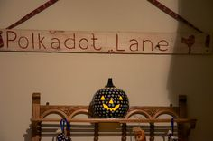 Pumpkins at Polkadot Lane......always a welcoming light on those dark and dreary nights