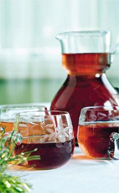Kerstcocktails maak je zo Alcoholic Drinks, Cocktails, Noel Christmas, Cranberry Juice, Red Wine, Menu, Tasty, Afin, Cooking