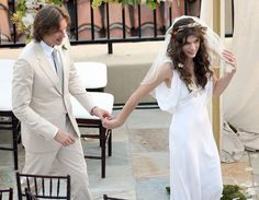 Milla Jovovich ties the knot in L.A