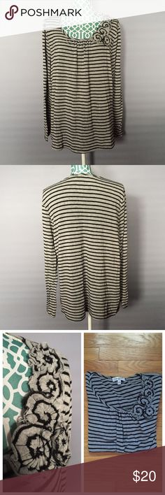 Moa Moa Gray & Black Striped Top with Flowers -Good condition! It's been loved but has life left! Minor pilling shown.  -Gray & black stripes -Perfect for fall/winter!  -Flowers add a girly touch!  -Shoulder to hem: 26.5 inches  -Bust: 54 inches -Sleeve Length: 20 inches -No trades, pp or lowballs, but feel free to make a reasonable offer! Moa Moa Tops