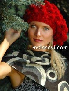 Вязаный берет в шишечках  mslanavi.com