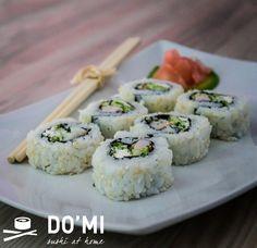 Uramaki z cukinią i krewetką - Sushi DOMI at home Sushi At Home, Ethnic Recipes, Food, Meal, Essen, Hoods, Meals, Eten