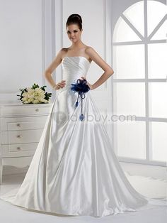 A-ラインストラップレスロングフロアチャペルトレーンウェディングドレス