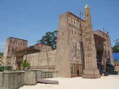 Os cenários da Minissérie José do Egito são sensacionais! Conheça em detalhes a réplica criada para o templo de Avaris!  http://r7.com/7gwQ