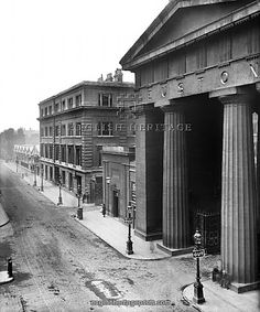 Inch Print (other products available) - EUSTON ROAD, London. View of Euston Road showing Euston Arch (built demolished Pillars, pediment and portico. Photographed by Bedford Lemere. - Image supplied by Historic England - Inch Photograph printed in the UK Victorian London, Vintage London, Old London, London View, Camden London, London Transport, Euston Station, London History, Arquitetura