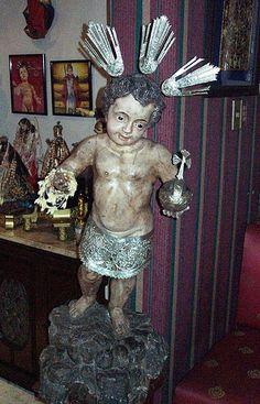 Sto. Nino Jesus    Ben Farrales Collection, Malate ,Manila, Philippines