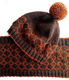 Octagon hat and cowl are both knitted in the round, start and end with rib and feature a stranded knit octagon pattern. The hat has a patterned border, continues in st st, and is topped with a contrast pompom. The stranded colourwork is charted. Loom Knitting, Knitting Stitches, Knitting Patterns Free, Charity Knitting, Scarf Patterns, Crochet Patterns, Halloween Knitting, Halloween Crochet, Knitted Hats