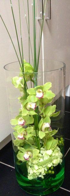 Centrepiece vase