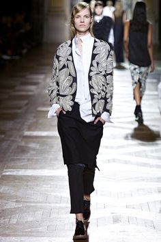 Dries Van Noten Fall 2013 RTW - Review - Fashion Week - Runway, Fashion Shows and Collections - Vogue