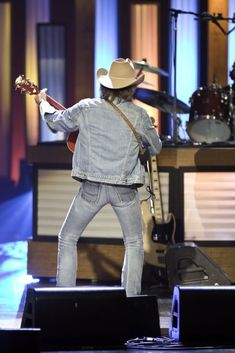 Dwight Yoakam... look at that wow