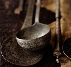 Old spoons and ladles . Kitchen Utensils, Kitchen Tools, Kitchen Ware, Kitchen Things, Kitchen Gadgets, Kitchen Ideas, Ethno Design, Bohemian House, Kitchen Witch
