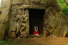 8th Century Vizhinjam Rock Cut Cave Temple in Thiruvananthapuram Kerala - Tuk Tuk ride from Rockholm
