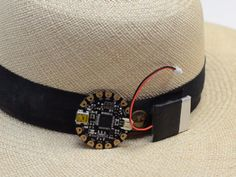 Absent-minded sun worshipers can retrofit a regular hat with a UV index sensor to remind them to re-slather on sunscreen. Wearable Technology, Technology Gadgets, Cool Gadgets, Sunscreen, 3 D, Fashion Accessories, Hacks, Medical, Diy Crafts