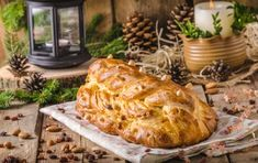 Celozrnná vánočka | Jóga dnes Czech Recipes, Turkey, Bread, Food, Fitness, Christmas, Xmas, Turkey Country, Brot