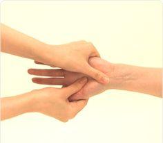 ニベア花王|atrix|手肌をいたわるハンドマッサージ
