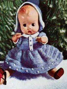 Link to download vintage  Christmas Doll with Blue Dress crochet pattern