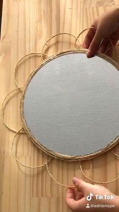 Diy Mirror Decor, Mirror Crafts, Diy Wall Decor, Diy Crafts For Home Decor, Diy Crafts Hacks, Boho Diy, Bohemian Decor, Diy Para A Casa, Diy Gifts
