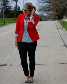 love the combo: dark (black?) jeans, chambray, red blazer, leopard shoes!