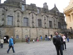 Courtyard at Sterling Castle Honeymoon In Scotland, Castle Scotland, What I Wore, Castles, Places To Travel, Places Ive Been, Street View, Chateaus, Destinations