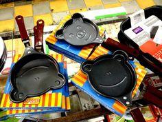 Presentes que não parecem ter sido comprados na 25 de Março Listamos bons produtos à venda na região, que quase sempre têm preços melhores em relação aos shoppings