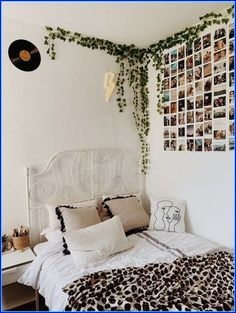 dream rooms for girls teenagers ~ dream rooms + dream rooms for adults + dream rooms for women + dream rooms luxury + dream rooms teenagers + dream rooms for couples + dream rooms for adults bedrooms + dream rooms for girls teenagers Cute Room Ideas, Cute Room Decor, Teen Wall Decor, Flower Room Decor, Dorm Wall Decorations, Wall Decor Boho, Room Ideas For Girls, Teenage Room Decor, Cheap Room Decor