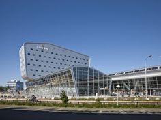 Eindhoven Airport Extension & Hotel / KCAP Architects + De Bever Architecten