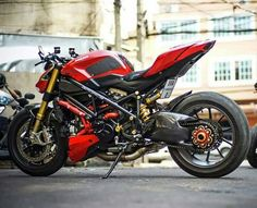One school of motor modifications that were hits and ngetrend his current one is a cafe racer. Ducati Streetfighter S, Ducati 1098s, Ducati Cafe Racer, Ducati Motorcycles, Street Fighter Motorcycle, Retro Motorcycle, Motorcycle Bike, Custom Street Bikes, Retro Cafe