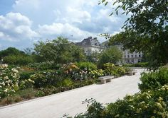 Troyes_Square_Of_The_Liberation-And-Banks_Of_The_Seine-04 « Landscape Architecture Works | Landezine