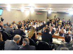 Crise no setor hoteleiro de BH preocupa Arantes. http://www.passosmgonline.com/index.php/2014-01-22-23-07-47/geral/4620-crise-no-setor-hoteleiro-de-bh-preocupa-arantes