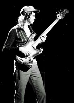 Fender Jazz Bass, Bass Guitars, Jaco Pastorius, Bluegrass Music, Double Bass, Dont Look Back, Weather Report, Jazz Blues, Playing Guitar