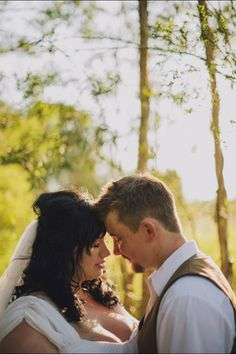Plus size bride & groom, outdoor wedding under a tree  - rustic wedding