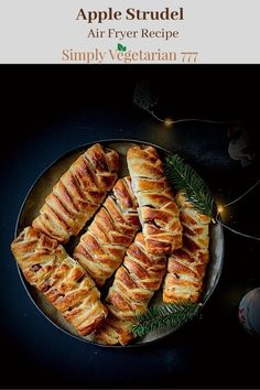 Recipes Using Crescent Rolls, Air Fryer Recipes Vegan, Strudel Recipes, Puff Pastry Sheets, Flaky Pastry, Apple Recipes, Apple Desserts, Pumpkin Dessert, Sweet Tooth