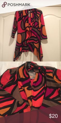 Cowl neck tunic Multicolored cowl neck tunic. EUC. Only worn once, no piling. Brand is Coco Bianca. 3/4 sleeves. Coco Bianco Tops Tunics