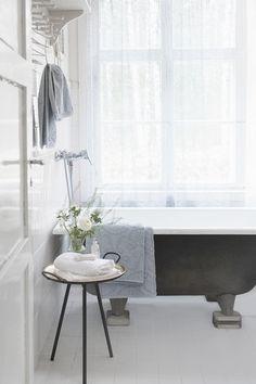 Lennol | Luxurious bathroom towels Bathroom Towels, Bath Towels, Clawfoot Bathtub, Luxury, Spring, Inspiration, Bath Linens, Biblical Inspiration, Inspirational