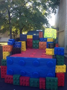 Lego trunk or treat idea! Kids loved the large blocks. Lego trunk or treat idea! Kids loved the large blocks. Lego Halloween, Halloween Car Decorations, Holidays Halloween, Halloween Themes, Halloween Parade, Halloween Costumes, Fashion Kids, Fashion Art, Trunk Or Treat