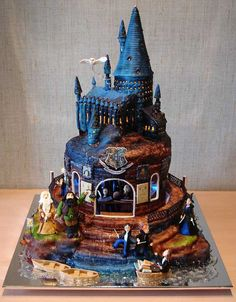 Incredibly detailed HP cake