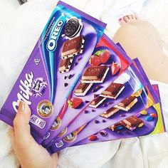 Image uploaded by Find images and videos about food, sweet and chocolate on We Heart It - the app to get lost in what you love. Chocolate Milka, Chocolate World, I Love Chocolate, Chocolate Lovers, Cadbury Chocolate, Melting Chocolate, Oreo, Diy Birthday Gifts For Him, Sleepover Snacks