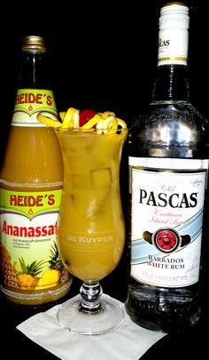 Hurricane:  4cl Old Pascas white rum, 2cl lime juice, 2 cl passion fruit syrup 12cl pineapple juice