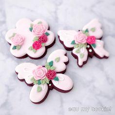 Sweet Spring #fondantroses #butterflycookies #springcookies