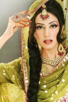 Bridal Beauty and Style.  www.shaadi.org.pk