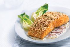 Sesame Salmon Fillets with Red Onion and Ginger Cream recipe Recipes With Whipping Cream, Cream Recipes, Salmon Recepies, Salmon Fillets, Filets, Valeur Nutritive, Salmon Dinner, No Dairy Recipes, Food Styling
