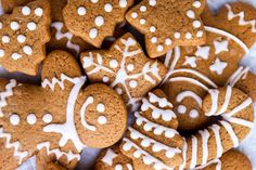 It wouldn't surprise me if these gingerbread cookies turn into the real stars of your Christmas celebration! This recipe makes the perfect cookies every time, nicely spiced with warm ginger, cinnamon, molasses and more. So why not make this timeless classic for the holiday season?   #christmas #christmascookies #christmasfood #christmasrecipes #holidaybaking #xmascookies #xmas #cookieexchange #easybakingrecipe #cookierecipe #gingerbread #gingerbreadcookies Gingerbread Cookie Recipe No Molasses, Soft Gingerbread Cookies, Xmas Cookies, Fig Cookies, Sugar Cookies, Christmas Cooking, Christmas Desserts, Christmas Recipes, Christmas Ideas