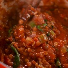 A hearty bolognese doesnt have to include any meat. This vegetarian bolognese is full of lentils that makes it every bit Vegetarian Recipes Videos, Lentil Recipes, Vegan Recipes, Cooking Recipes, Vegetarian Sauces, Vegetarian Sandwiches, Vegetarian Cooking, Lentil Bolognese Vegan, Lentil Pasta