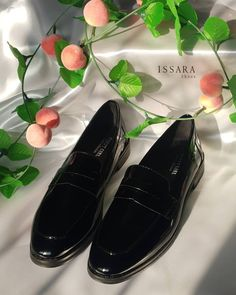 35 รูปภาพที่ยอดเยี่ยมที่สุดในบอร์ด Photography Issara shoes