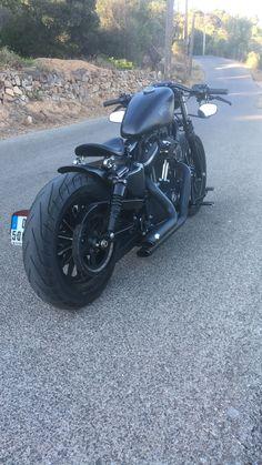 Sportster Cafe Racer, Hd Sportster, Sportster Motorcycle, Harley Davidson Sportster 883, Bobber Bikes, Harley Davidson Chopper, Cool Motorcycles, Harley Davidson Motorcycles, 883 Harley