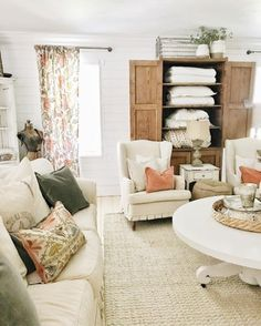 How to Get a Farmhouse Look in Your Living Room - Beauty For Ashes